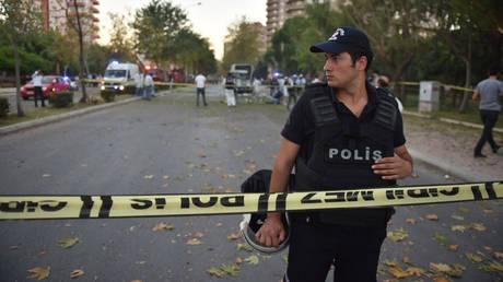 Τουρκία: Τρεις νεκροί από επίθεση ενόπλων σε προεκλογική συγκέντρωση του AKP