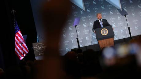 Τραμπ: Όταν οι γονείς συλλαμβάνονται στα σύνορα, πρέπει να χωρίζουμε τα παιδιά