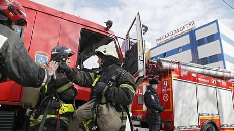Φωτιά σε εμπορικό κέντρο της Μόσχας (vid)