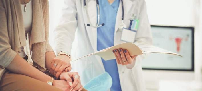 15 συμπτώματα του καρκίνου που αγνοούν οι γυναίκες [λίστα]