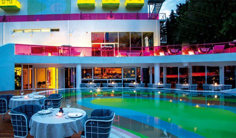 «Nolita» by the pool…στο Κεφαλάρι