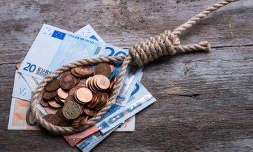 Έκρηξη χρεών 1,9 δισ. ευρώ μέσα σε 90 μέρες