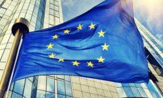 «Παγώνουν» οι ενταξιακές διαπραγματεύσεις για Σκόπια και Αλβανία στην ΕΕ