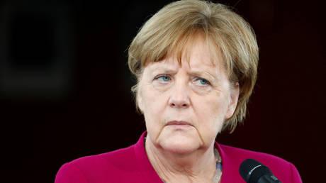 CSU εναντίον Μέρκελ: Έρχεται «τελεσίγραφο» για το μεταναστευτικό