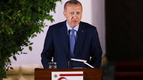 Ερντογάν για Κυπριακό: Εάν λυθεί, θα λυθεί