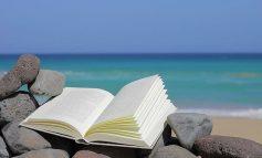 Τρία βιβλία για την παραλία.