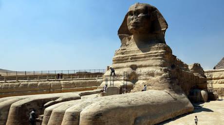 Άγαλμα που μοιάζει με Σφίγγα ανακαλύφθηκε τυχαία στην Αίγυπτο