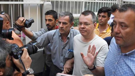 Άντριου Μπράνσον: Ποιος είναι ο πάστορας που βρίσκεται στο επίκεντρο της κόντρας ΗΠΑ – Τουρκίας