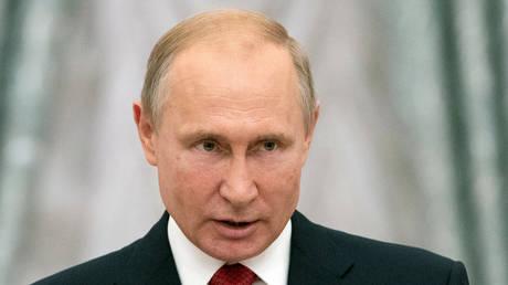 Έτοιμος να συναντηθεί με τον Κιμ Γιονγκ Ουν δηλώνει ο Πούτιν