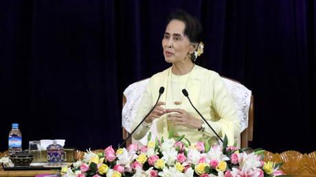 Ύπατος Αρμοστής ΟΗΕ: Η ηγέτιδα της Μιανμάρ θα μπορούσε να παραιτηθεί