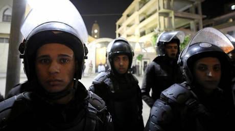 Αίγυπτος: Σε δίκη έξι αστυνομικοί γιατί βασάνισαν έναν κρατούμενο μέχρι θανάτου