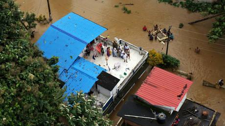 Δραματική αύξηση των νεκρών στην Ινδία από τις πλημμύρες
