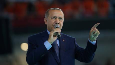 Ερντογάν: Η «βουτιά» της λίρας δείχνει ένα σχέδιο εναντίον της Τουρκίας