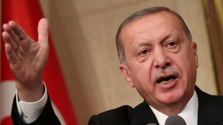 Ερντογάν: Πισώπλατη μαχαιριά οι πρόσφατες ενέργειες των ΗΠΑ