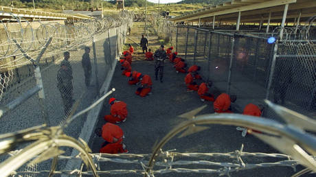 Η Ουάσιγκτον εξετάζει το ενδεχόμενο να μεταχθούν τζιχαντιστές του ISIS στο Γκουαντάναμο
