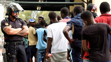 Ισπανία: Έστειλαν πίσω στο Μαρόκο 116 μετανάστες που είχαν περάσει στη Θέουτα