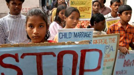 Μαλαισία: 11χρονη εξαναγκάστηκε σε γάμο με έναν 41χρονο
