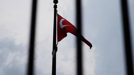Μεγάλο πλήγμα για την τουρκική οικονομία – Χρεοκόπησε η Turk Telekom