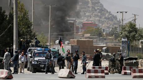 Πεδίο μάχης η Καμπούλ – Εκτοξεύτηκαν ρουκέτες κοντά στο Προεδρικό (pics)