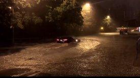 Πλημμύρες «έπνιξαν» αυτοκίνητα στον Καναδά