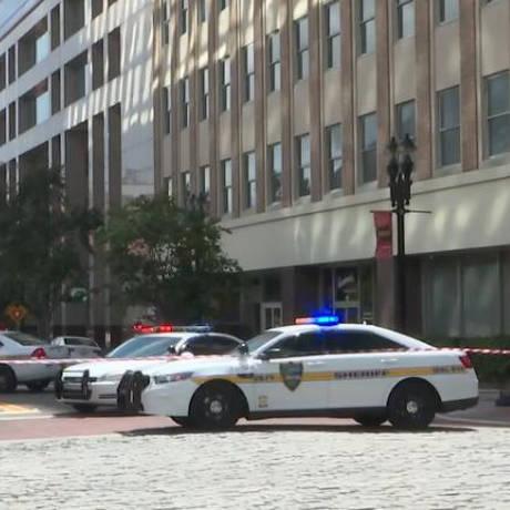Πυροβολισμοί με αρκετούς νεκρούς στη Φλόριντα