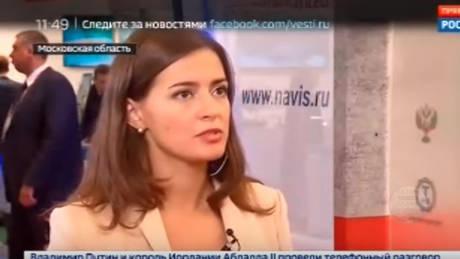 Ρωσίδα δημοσιογράφος λιποθύμησε στον «αέρα» (vid)