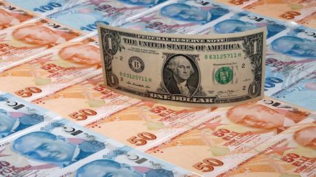 Σύμβουλος Ερντογάν: Η Τουρκία προσπαθεί να αποτρέψει ένα οικονομικό πραξικόπημα