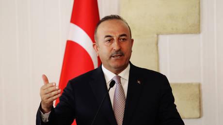 Τσαβούσογλου: Οι ΗΠΑ δεν θα κερδίσουν τίποτα απειλώντας την Τουρκία