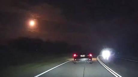Φλεγόμενος μετεωρίτης φωτίζει τον ουρανό του Περθ
