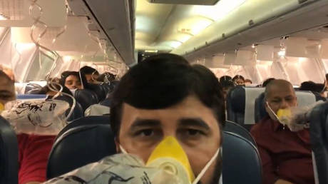 «Εφιάλτης» στον αέρα για επιβάτες αεροσκάφους λόγω λάθους του πληρώματος (vid)