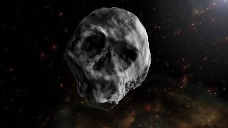 Αστεροειδής σε σχήμα… νεκροκεφαλής «απειλεί» τη γη; Ο ρεαλισμός νικά τα social media
