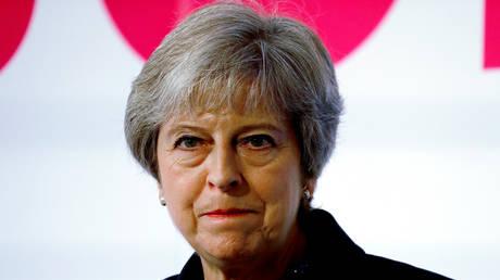 Βρετανία: «Εμφύλιος» στο Συντηρητικό Κόμμα για το Brexit – Σε δύσκολη θέση η Μέι