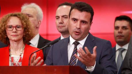 Δημοψήφισμα Σκόπια – Ζάεφ: Πρόωρες εκλογές το Νοέμβριο αν δεν περάσει η συμφωνία από τη Βουλή