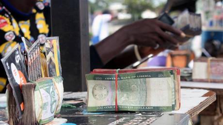 Διαδήλωση στη Λιβερία για τα… χαμένα 100 εκατομμύρια δολάρια