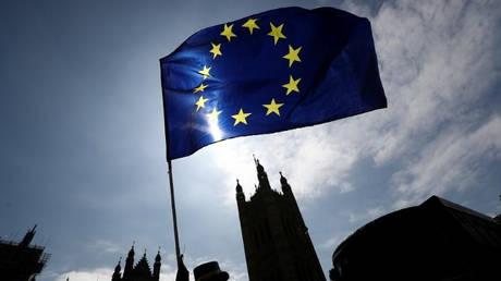 Ευρωπαϊκή Ένωση: «Πόλεμος» για το Brexit – «Παιγνίδι αλληλοκατηγοριών» για το μεταναστευτικό