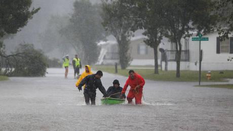 Κυκλώνας Φλόρενς: «Μνημειώδεις» ποσότητες βροχής – Επτά οι νεκροί (pics&vid)