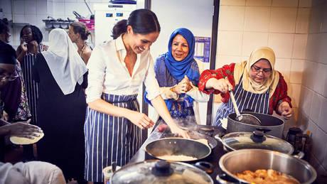 Μέγκαν Μαρκλ: Μία δούκισσα μαγειρεύει για καλό σκοπό