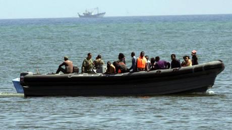 Μαρόκο: Το ναυτικό άνοιξε πυρ εναντίον σκάφους που μετέφερε μετανάστες – Μια νεκρή