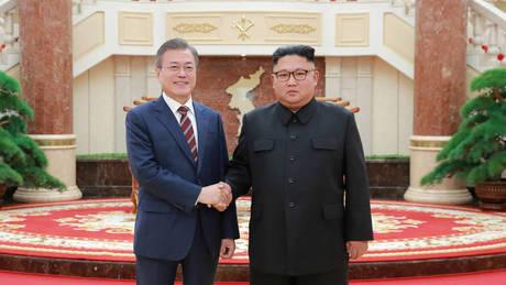 Ο Κιμ έστειλε δύο λευκά κυνηγόσκυλα ως δώρο στον ηγέτη της Νότιας Κορέας