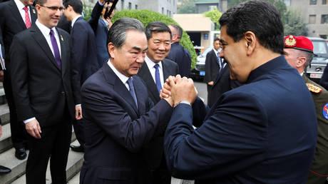 Πρόθυμη να στηρίξει τη Βενεζουέλα η Κίνα