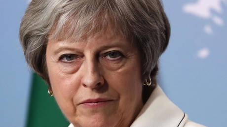 Τερέζα Μέι: Μην παίζετε πολιτικά παιχνίδια με το σχέδιο μου για Brexit