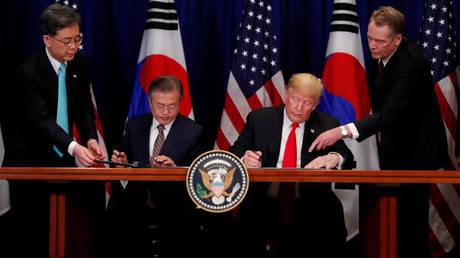 Τραμπ: Ιστορικό ορόσημο η νέα εμπορική συμφωνία Ουάσιγκτον – Σεούλ