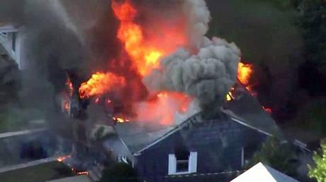 Τρόμος στις ΗΠΑ: Δεκάδες σπίτια στις φλόγες μετά από εκρήξεις σε γραμμές φυσικού αερίου στη Βοστώνη