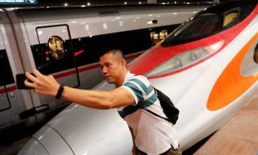 Χονγκ Κονγκ: Πρεμιέρα για το πρώτο γρήγορο τρένο με κατεύθυνση την ηπειρωτική Κίνα (pics)