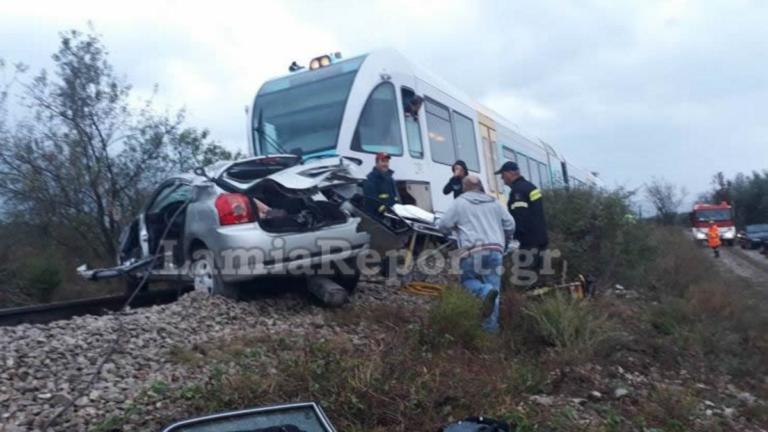Φθιώτιδα: Νεκρή καθηγήτρια στο σιδηροδρομικό δυστύχημα – Σκληρές εικόνες στη διάβαση του θανάτου