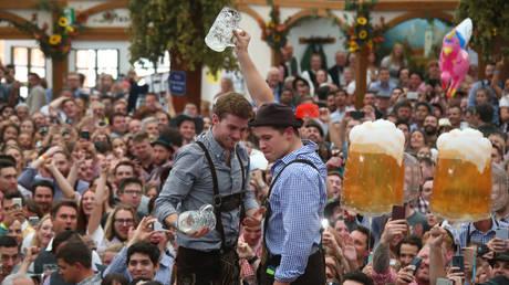 Oktoberfest: Ξεκίνησε το μεγαλύτερο φεστιβάλ μπύρας (pics)