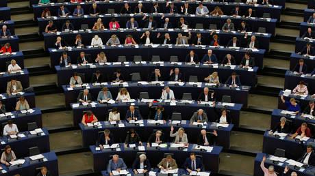Ευρωκοινοβούλιο: Η ΕΕ καταβάλλει κάθε προσπάθεια για να κρατήσει ζωντανή τη συμφωνία των Πρεσπών