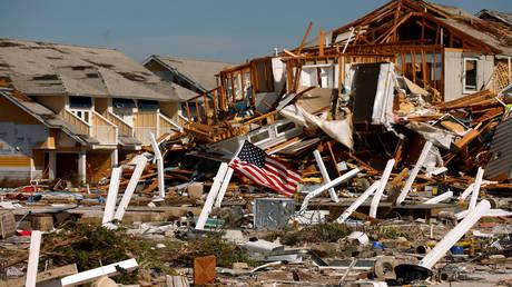 ΗΠΑ: Αυξήθηκε ο απολογισμός των νεκρών από τον κυκλώνα Μάικλ (pics&vid)