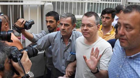 Νέο τεστ για τις σχέσεις ΗΠΑ – Τουρκίας: Ενώπιον δικαστηρίου σήμερα ο Μπράνσον
