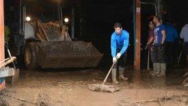 Ο Ναδάλ δίνει μάχη με τις λάσπες στην πλημμυρισμένη Μαγιόρκα (vid)